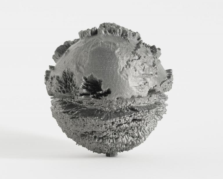 Sunville is a research on the objecthood of photography that ranges from old photographic techniques and expired film to digital 3D technology